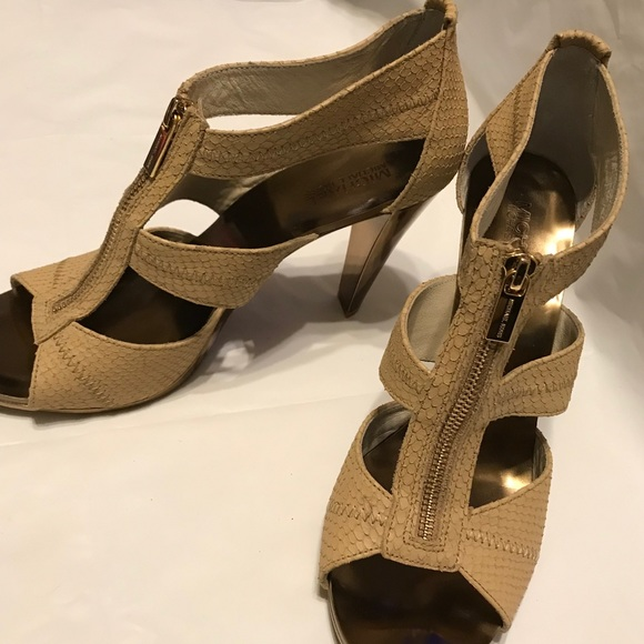 caffa28db87 NEW Michael Kors Snakeskin zip high heels sz 11 M